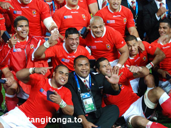 'Isitolo Maka celebrates with the 'Ikale Tahi