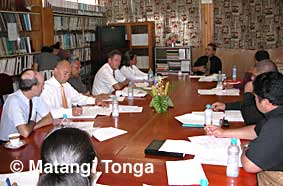 The New Zealand team meets with the Tongan Minister of Labour, Comerce and Industries.